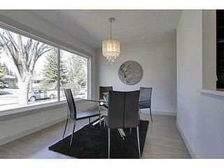 Photo 5: 38 WESTWOOD Drive SW in Calgary: Bungalow for sale : MLS®# C3560165