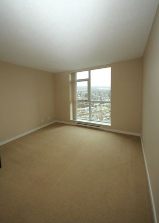 """Photo 7: 2503 2225 HOLDOM Avenue in Burnaby: Central BN Condo for sale in """"LEGACY TOWER 1"""" (Burnaby North)  : MLS®# R2131531"""
