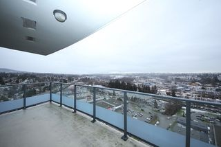 """Photo 11: 2503 2225 HOLDOM Avenue in Burnaby: Central BN Condo for sale in """"LEGACY TOWER 1"""" (Burnaby North)  : MLS®# R2131531"""