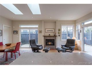 Photo 5: 3 2340 Oakville Avenue in SIDNEY: Si Sidney South-East Townhouse for sale (Sidney)  : MLS®# 373546