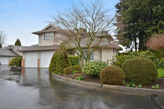 """Photo 20: 104 2513 W BOURQUIN Crescent in Abbotsford: Central Abbotsford Townhouse for sale in """"EDGEWATER PROPERTIES"""" : MLS®# R2152841"""