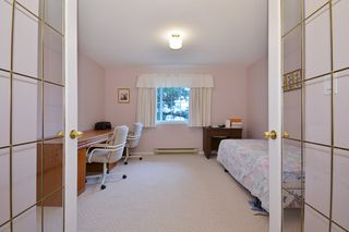 """Photo 18: 104 2513 W BOURQUIN Crescent in Abbotsford: Central Abbotsford Townhouse for sale in """"EDGEWATER PROPERTIES"""" : MLS®# R2152841"""