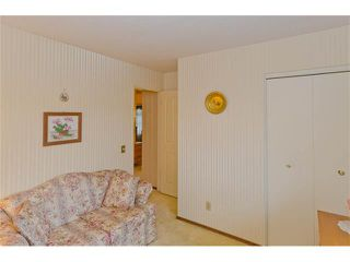 Photo 33: 963 Rundlecairn Way NE in Calgary: Rundle House for sale : MLS®# C4112829