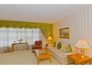 Photo 17: 963 Rundlecairn Way NE in Calgary: Rundle House for sale : MLS®# C4112829