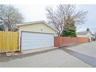 Photo 9: 963 Rundlecairn Way NE in Calgary: Rundle House for sale : MLS®# C4112829