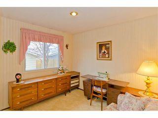 Photo 32: 963 Rundlecairn Way NE in Calgary: Rundle House for sale : MLS®# C4112829