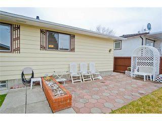 Photo 7: 963 Rundlecairn Way NE in Calgary: Rundle House for sale : MLS®# C4112829