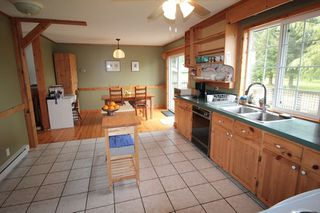 """Photo 6: 24277 58 Avenue in Langley: Salmon River House for sale in """"Strawberry Hills"""" : MLS®# R2166829"""