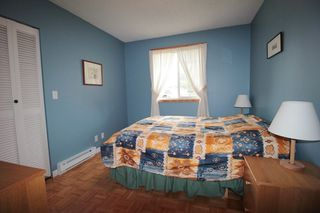 """Photo 10: 24277 58 Avenue in Langley: Salmon River House for sale in """"Strawberry Hills"""" : MLS®# R2166829"""