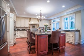 Photo 5: 320 FORESTVIEW Lane: Anmore House for sale (Port Moody)  : MLS®# R2175412