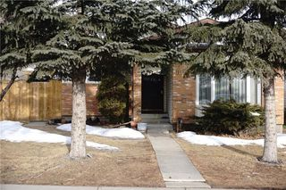 Photo 3: 7031 TEMPLE Drive NE in Calgary: Temple House for sale : MLS®# C4163106