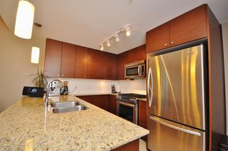 "Photo 2: 1709 7362 ELMBRIDGE Way in Richmond: Brighouse Condo for sale in ""FLO"" : MLS®# R2241420"