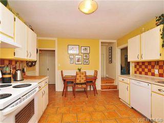 Photo 15: 1044 Queens Avenue in VICTORIA: Vi Central Park Residential for sale (Victoria)  : MLS®# 347327
