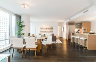 Main Photo: 1701 1111 ALBERNI STREET in Vancouver: West End VW Condo for sale (Vancouver West)  : MLS®# R2236572