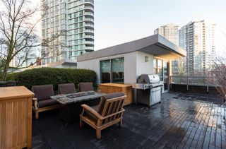 "Photo 1: 1075 EXPO Boulevard in Vancouver: Yaletown Townhouse for sale in ""MARINA POINTE"" (Vancouver West)  : MLS®# R2253361"