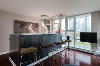 "Photo 7: 1075 EXPO Boulevard in Vancouver: Yaletown Townhouse for sale in ""MARINA POINTE"" (Vancouver West)  : MLS®# R2253361"