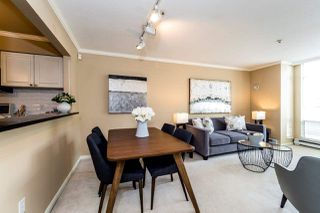 """Photo 10: 409 2288 W 12TH Avenue in Vancouver: Kitsilano Condo for sale in """"CONNAUGHT POINT"""" (Vancouver West)  : MLS®# R2256877"""