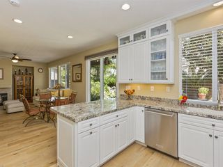 Photo 7: CHULA VISTA House for sale : 3 bedrooms : 1217 Wolfs Hill Rd