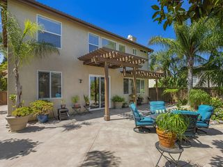 Photo 4: CHULA VISTA House for sale : 3 bedrooms : 1217 Wolfs Hill Rd