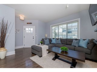 Photo 3: 46 12161 237 Street in Maple Ridge: East Central Townhouse for sale : MLS®# R2295936