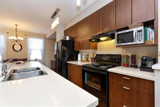Photo 7: 17 19572 FRASER Way in Pitt Meadows: South Meadows Townhouse for sale : MLS®# R2298909
