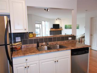 "Photo 4: 307 22277 122 Avenue in Maple Ridge: West Central Condo for sale in ""Maple Ridge West Central"" : MLS®# R2322485"