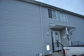 Main Photo: 69 AMBERLY Court in Edmonton: Zone 02 Townhouse for sale : MLS®# E4137598