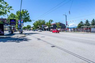 """Photo 14: 311 5818 LINCOLN Street in Vancouver: Killarney VE Condo for sale in """"LINCOLN PLACE"""" (Vancouver East)  : MLS®# R2346645"""