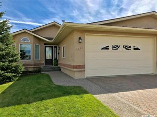 Photo 1: 1412 Elmwood Place in Swift Current: North Hill Residential for sale : MLS®# SK762301
