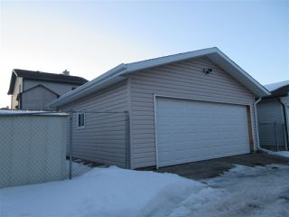 Photo 2: 15635 45 Street in Edmonton: Zone 03 House for sale : MLS®# E4147541