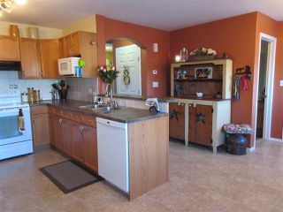 Photo 4: 15635 45 Street in Edmonton: Zone 03 House for sale : MLS®# E4147541
