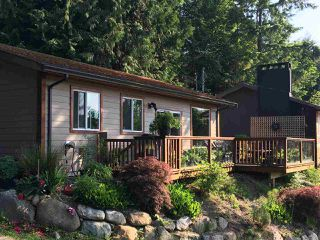 Photo 2: 5891 DEERHORN Drive in Sechelt: Sechelt District House for sale (Sunshine Coast)  : MLS®# R2352759