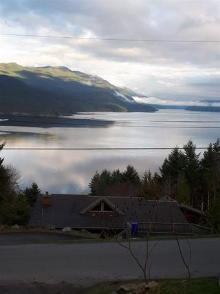 Photo 8: 5891 DEERHORN Drive in Sechelt: Sechelt District House for sale (Sunshine Coast)  : MLS®# R2352759