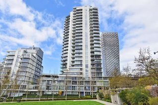 "Photo 1: 1005 638 BEACH Crescent in Vancouver: Yaletown Condo for sale in ""ICON"" (Vancouver West)  : MLS®# R2357913"