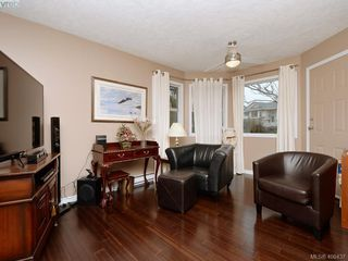 Photo 7: 1279 Lidgate Court in VICTORIA: SW Strawberry Vale Single Family Detached for sale (Saanich West)  : MLS®# 408437