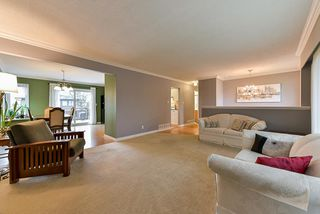 Photo 3: 5025 WOODSWORTH Street in Burnaby: Greentree Village House for sale (Burnaby South)  : MLS®# R2361633