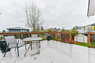 Photo 18: 5025 WOODSWORTH Street in Burnaby: Greentree Village House for sale (Burnaby South)  : MLS®# R2361633