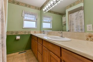 Photo 10: 5025 WOODSWORTH Street in Burnaby: Greentree Village House for sale (Burnaby South)  : MLS®# R2361633