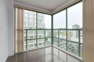 """Photo 9: 1706 909 BURRARD Street in Vancouver: West End VW Condo for sale in """"Vancouver Tower"""" (Vancouver West)  : MLS®# R2363575"""