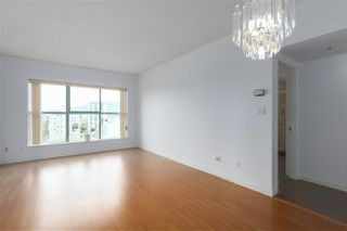 """Photo 5: 1706 909 BURRARD Street in Vancouver: West End VW Condo for sale in """"Vancouver Tower"""" (Vancouver West)  : MLS®# R2363575"""