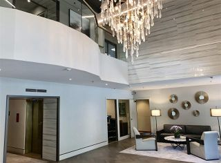 """Photo 15: 1706 909 BURRARD Street in Vancouver: West End VW Condo for sale in """"Vancouver Tower"""" (Vancouver West)  : MLS®# R2363575"""