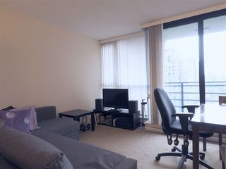 """Photo 5: 2608 909 MAINLAND Street in Vancouver: Yaletown Condo for sale in """"Yaletown Park 2"""" (Vancouver West)  : MLS®# R2365237"""
