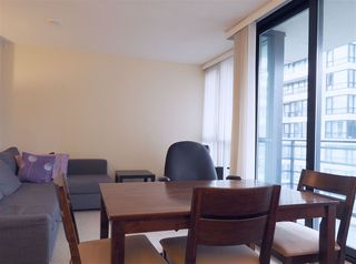 """Photo 6: 2608 909 MAINLAND Street in Vancouver: Yaletown Condo for sale in """"Yaletown Park 2"""" (Vancouver West)  : MLS®# R2365237"""