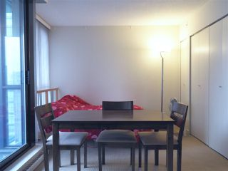 """Photo 8: 2608 909 MAINLAND Street in Vancouver: Yaletown Condo for sale in """"Yaletown Park 2"""" (Vancouver West)  : MLS®# R2365237"""