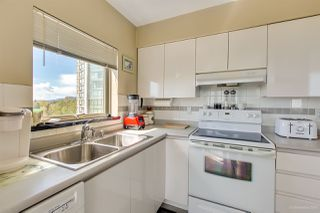 "Photo 4: 1206 9623 MANCHESTER Drive in Burnaby: Cariboo Condo for sale in ""STRATHMORE TOWERS"" (Burnaby North)  : MLS®# R2366486"