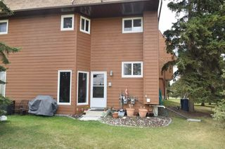 Photo 1: 5961 40 Avenue in Edmonton: Zone 29 Townhouse for sale : MLS®# E4156855