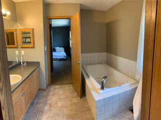 Photo 23: 11807 173 Avenue in Edmonton: Zone 27 House for sale : MLS®# E4156896
