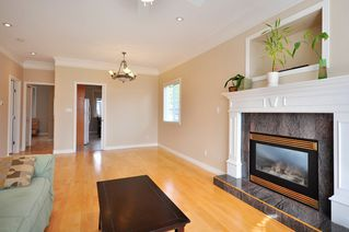 Photo 2: 1125 E 61st Avenue in Vancouver: Home for sale : MLS®# V819065