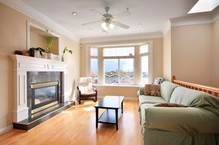 Photo 3: 1125 E 61st Avenue in Vancouver: Home for sale : MLS®# V819065