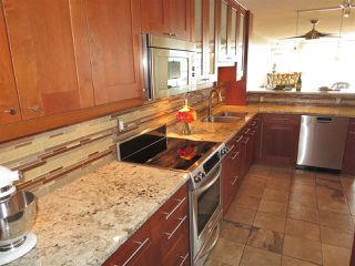 "Photo 3: 1006 1245 QUAYSIDE Drive in New Westminster: Quay Condo for sale in ""RIVERIA"" : MLS®# R2379086"